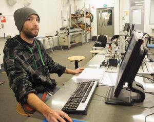 Teemu Pyrrö opiskelee koneasentajaksi.