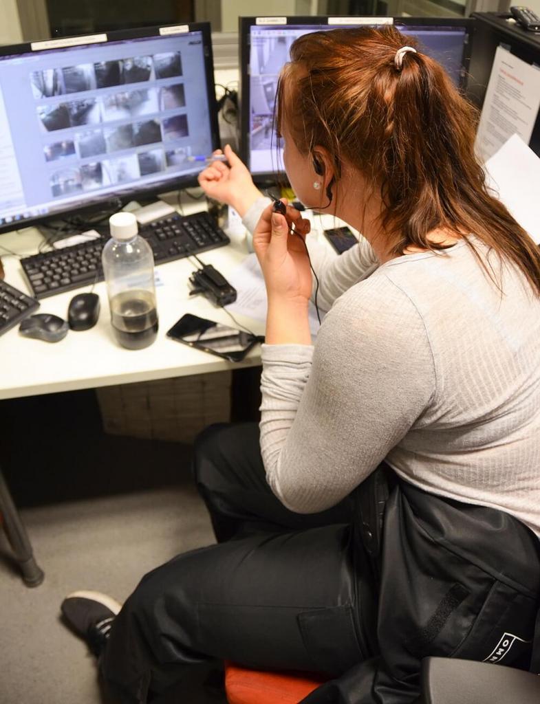 Opiskelijat työskentelivät myös valvomossa. ce81f69719