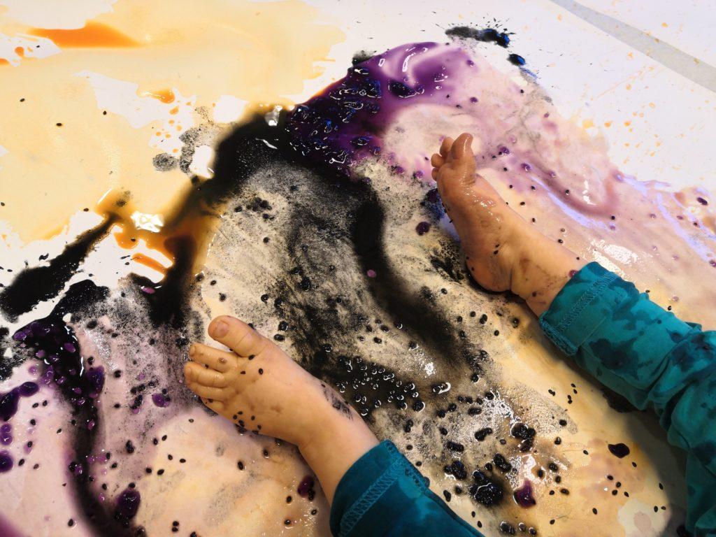 Vauvojen ja taaperoiden värikylvyt